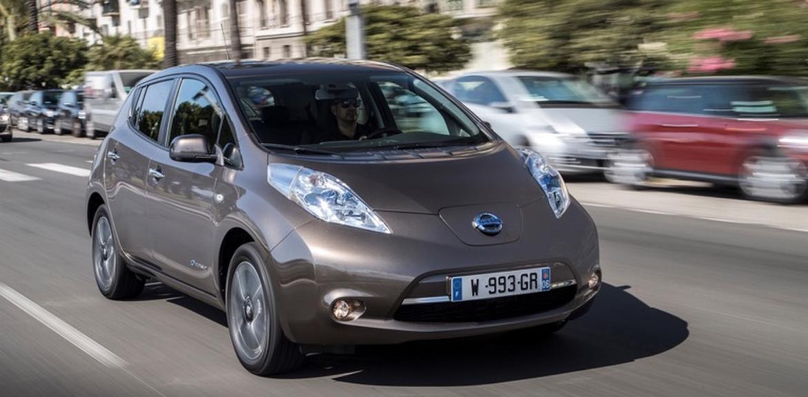elektromobilio įkrovimo laikas Nissan LEAF