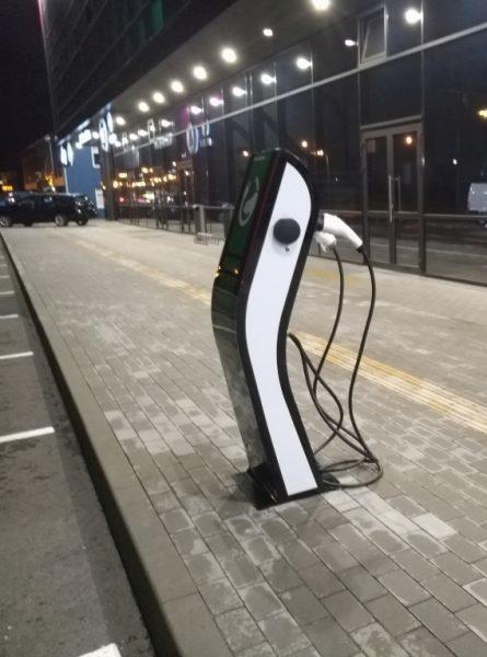 elektromobilių įkrovimo stotelė 2 x 22 kW