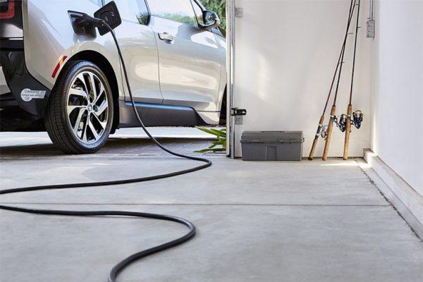 Elektromobilio įkrovimo laikas kaina